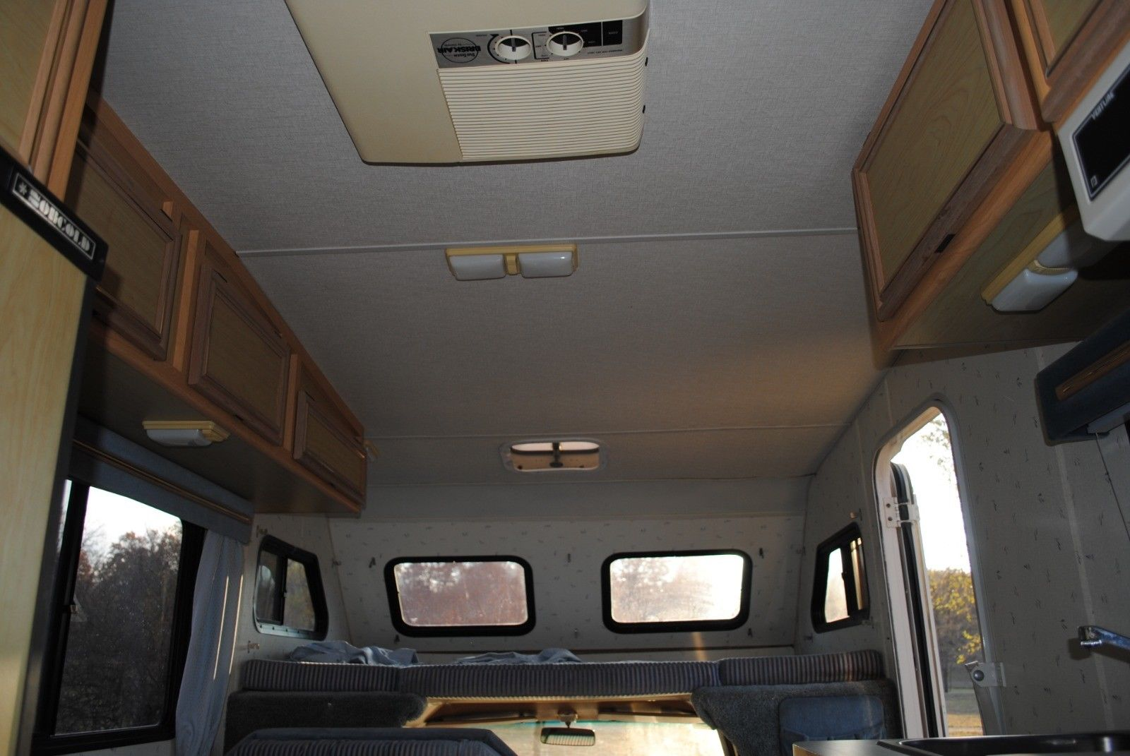1990 TOYOTA WINNEBAGO MICRO RV WARRIOR $2,200